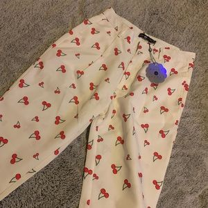 *NWT* Cheery Tailored Pant